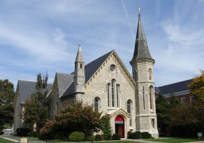 """Reports say man with pipe """"busting up"""" church in Towson"""