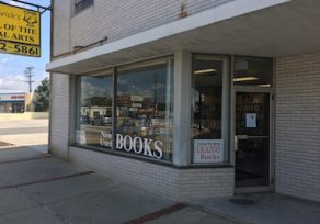 Ukazoo Books sets an opening date